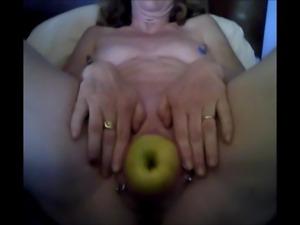 amature apple masturbation
