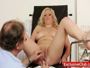 Jennifer gets tits and pussy gyno exam at kinky clinic