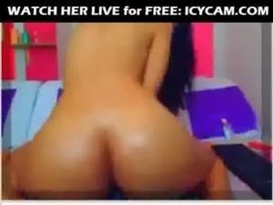 Pretty Slut Teasing On Cam free