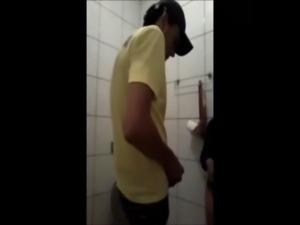 Escarlyte e amigo no Banheiro - ... free