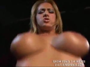 Very sexy bombshell gets fucked ... free