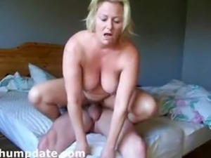 Hot housewife with nice boobs gets fucked