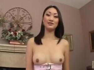 Yipporn.com - Hot asian Evelyn Lin swallows
