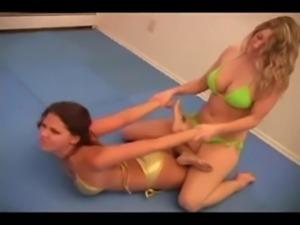 Sexy Lesbian Wrestling  www.por ... free