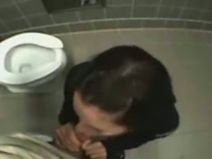 Toilet Sex And Facial