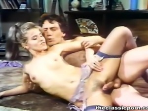 Hot retro lady fuck on the floor
