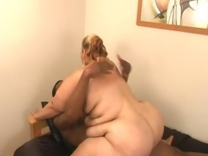Light skinned BBW sucks a good dick then takes it hard and ruff