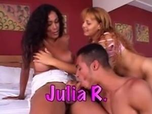2 busty brazilian tgirls