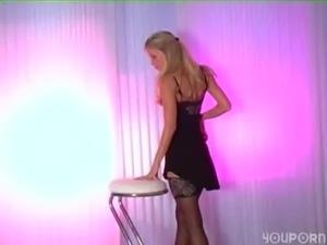Lucious blonde Marketa stripteases free