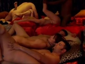 Crazy swingers party escalates to ten person orgy