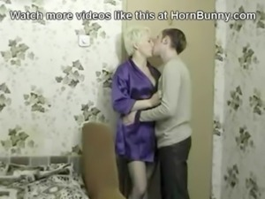 Lay mommy down - HornBunny.com free