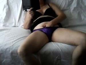 Wife home alone masturbating ca ... free