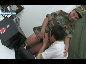 Soldier's dick blown by doctor
