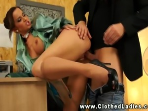 European glamour babes gets pussy fucked in office