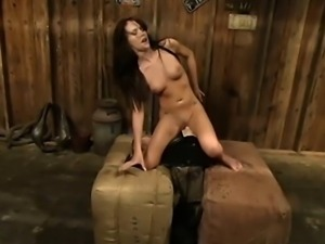 Jenna Presley pleased by the Sybian