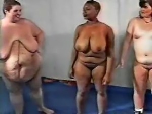 SSBBW in gym orgy
