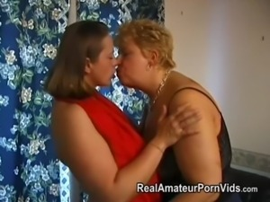 Mature plump housewives toy and assplay free