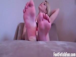 My feet make you so hard JOI free