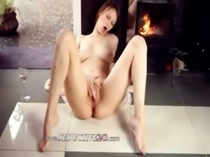 breasty beata fingering her pussy