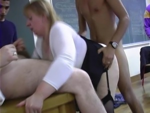 French fat BBW mature prof anal fucking in the classroom