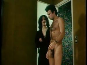 Classic XXX - 1977 - Brigitte Lahaie - La Perversion dune Jeune Mariee...