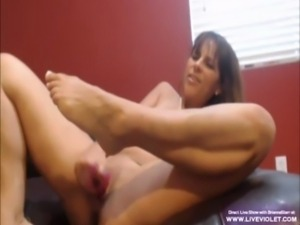 Hot milked mom Brianna gets triple squirt fountain free