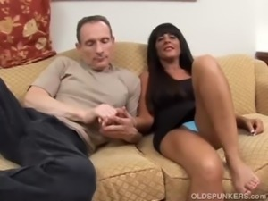 Beautiful big tits MILF Cassidy loves anal sex free