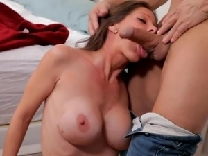 hot mommy gives and receives oral