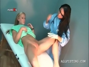 Lusty blondie passing the gynecologist exam free