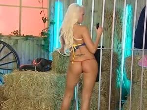 Lucy Summers back on RLC Farm