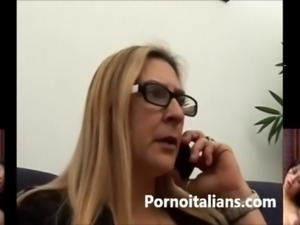 Italian mature granny fucks young big cock - Matura tettona italiana vuole...