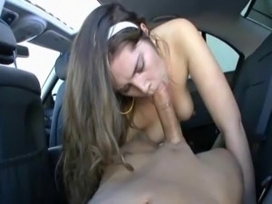 Pussy fuck in car until facial