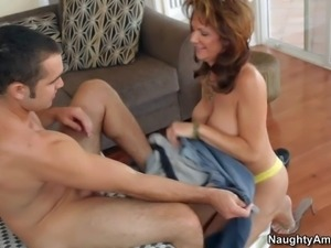 Hot blooded milf Deauxma takes off her yellow bra in