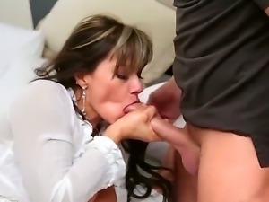 Milf with huge tits Esperanza Gomes is eager to fuck with hunk Keitan Lee