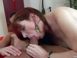 Sex hungry mature redhead Bara gets mouth fucked by dude