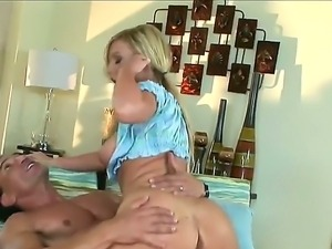 The sympathetic blonde pornstar Memphis Monroe makes a blowjob and jumps on a...