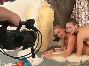 Arousing pornstar Silvia Saint pleases with one gorgeous lesbian cam show