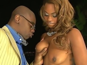 Sean Michaels is proud of his huge equipment and today Tori Taylor is the one...