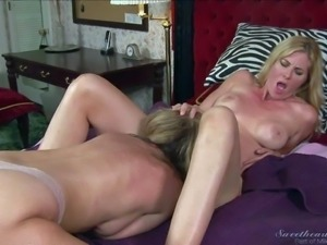 Lily Labeau can't resist Jodi West's attraction. Lesbian girl gets