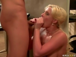 MILFy blonde Phoenix Marie with bubble butt and huge boobs