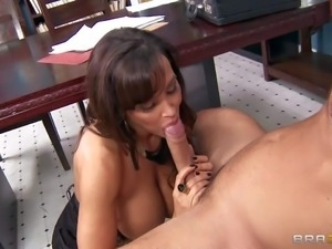 Lisa Ann is her lawyer's office. She convinces her Danny
