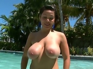 The seductive and dirty milf Sienna West with a colossal coconuts and ass...