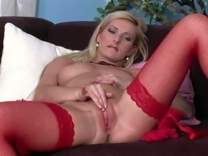 Vanessa Jordin is a blonde haired lady with nice pink