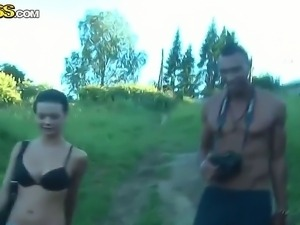 Sexy naughty babe Tess gives a mind blowing blowjob during a quiet nature walk