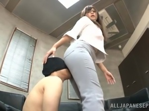 decent office babe acts like a whore