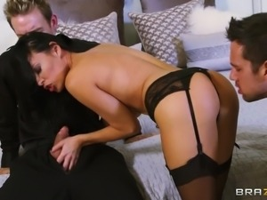 my slut wife makes the party