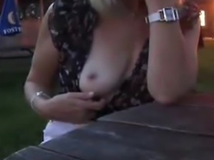 Rebecca. I love sex adventures in public. Sunday afternoon in a bar an on a...