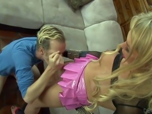 Tall slim cock loving blonde dude Chad Diamond gives head to long haired...