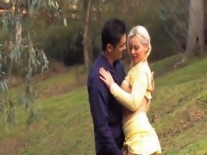 Super hot aussie blonde gets fingered