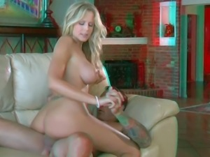 Bootylicious blonde doll Darcy Tyler with long hair and awesome oral skills...